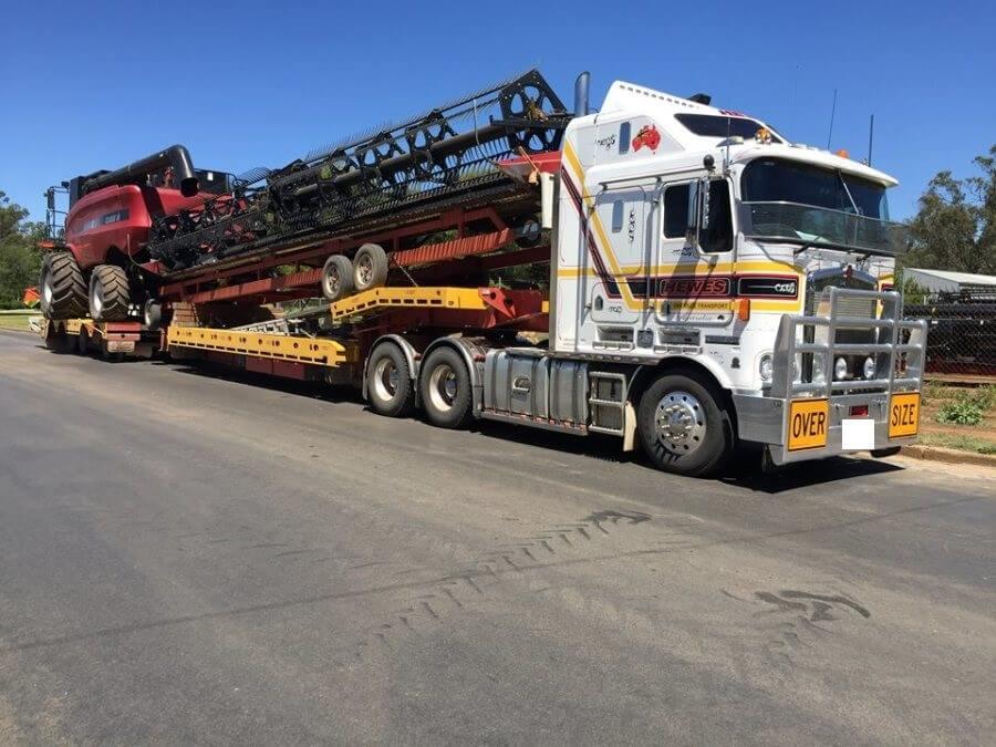 W Mega Transport i przewóz maszyn rolniczych i sprzętu: kombajnów YI63